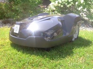Rasenroboter Automower-320-vorne