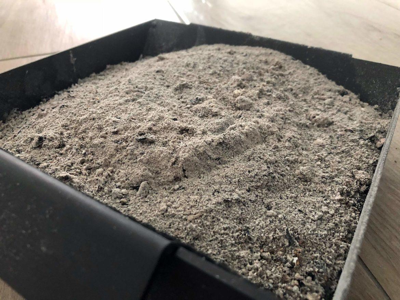 Ist Holzasche als Rasendünger geeignet?