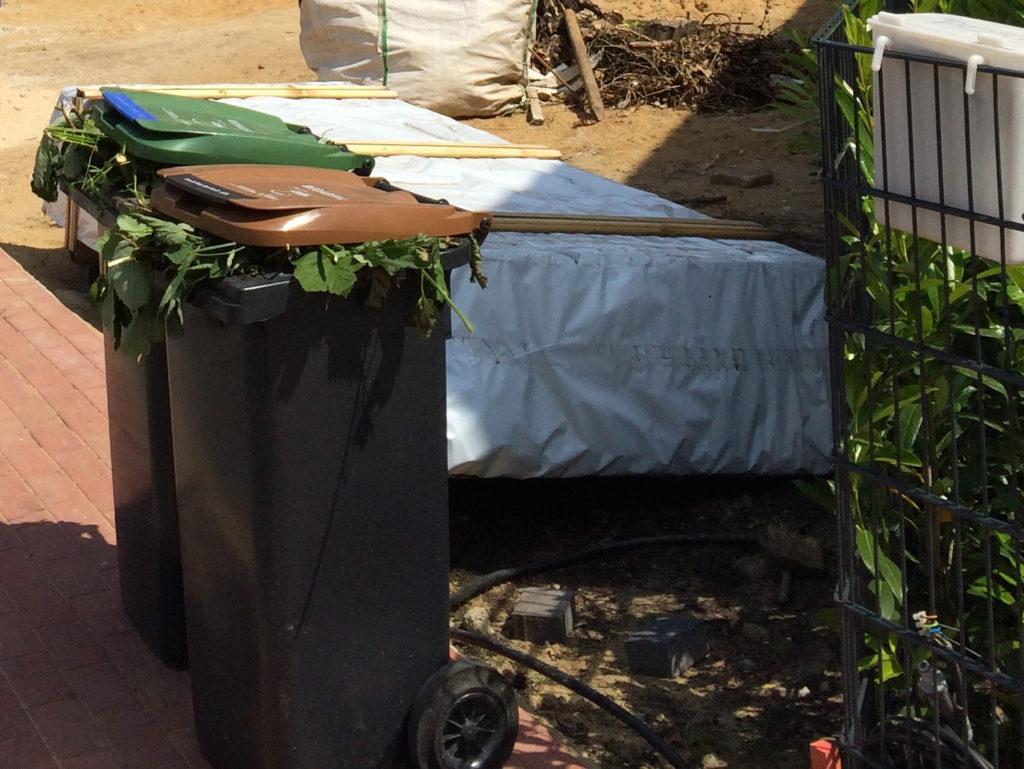 Kompost als Alternative für Torf auf dem Rasen