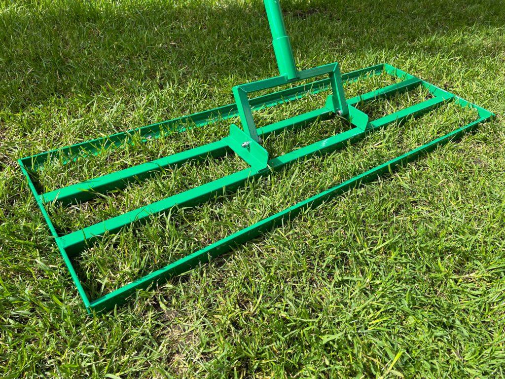 Die Level Rake von Rasenspecht im Einsatz